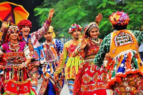 est-folk-dancetroop-in-udaiupr-folk-dancer-in-udaipur-dandiya-dancers-in-udaipur-Hornbill-Event-Planner-udaipur